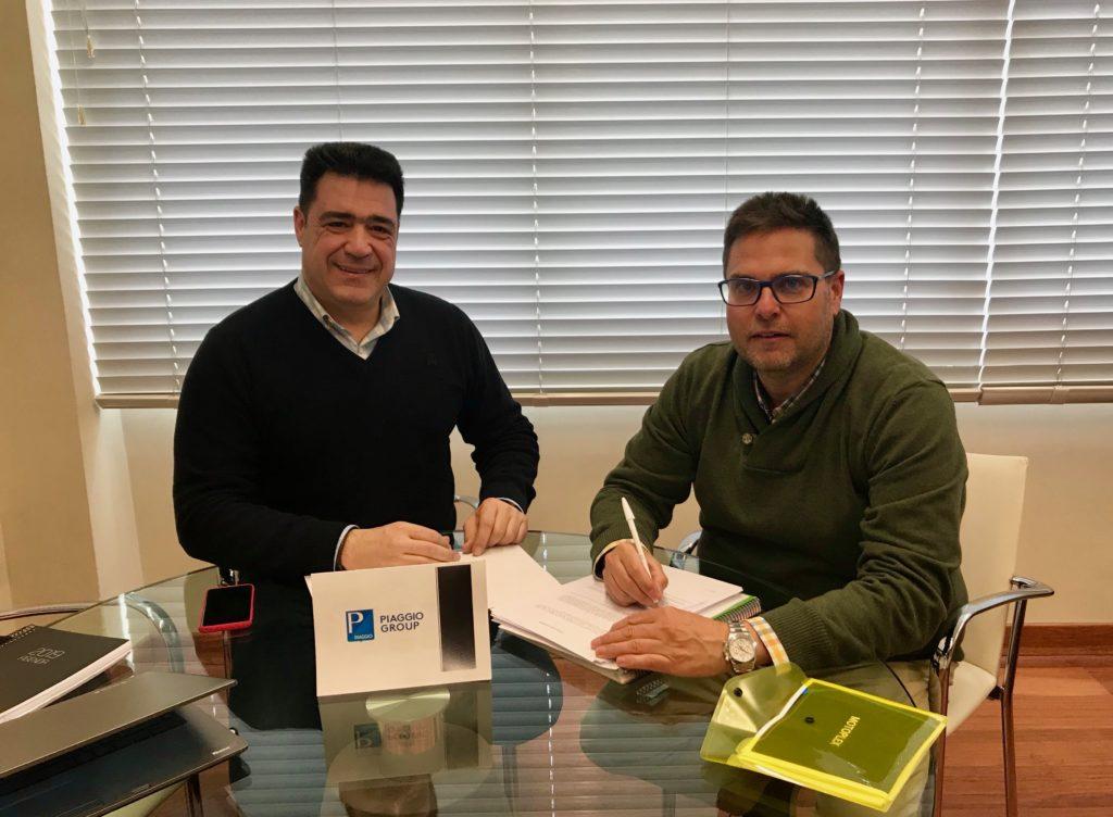 Firma del acuerdo entre Grupo Todomoto Automoción y el Grupo Piaggio.