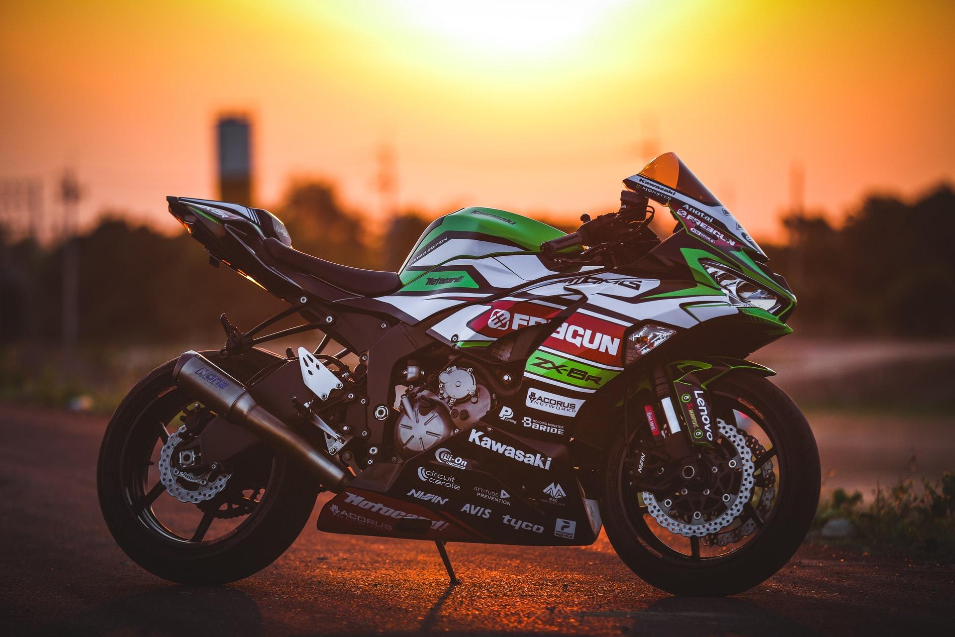 Consejos sobre limpieza y desinfección de tu moto