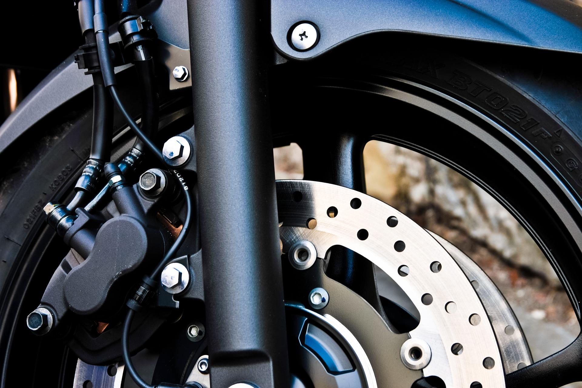 ¿Sabes cuándo debes cambiar los frenos de tu motocicleta?